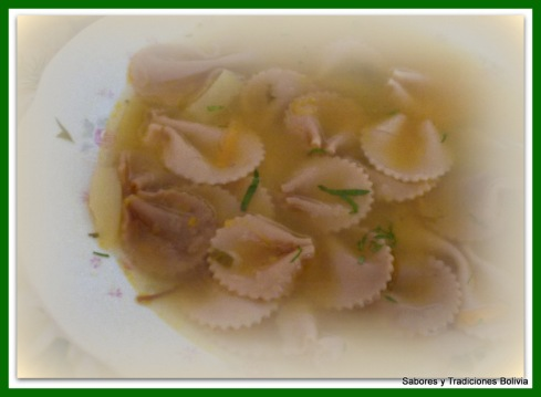 Sopa de fideos for Como cocinar corbatitas