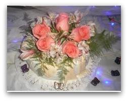 Decoracion De Torta Con Rosas Naturales Sabores De Bolivia