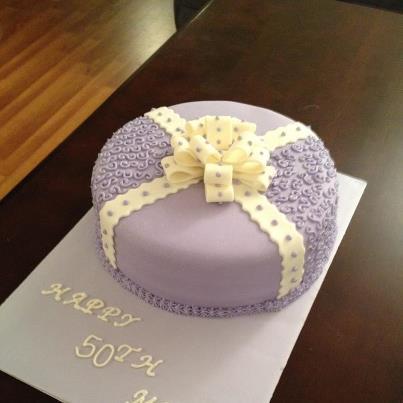 Decoracion de Torta Lila