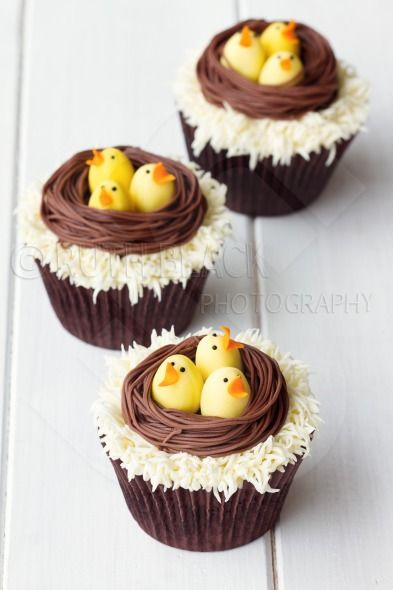 Cupcakes with an Easter theme
