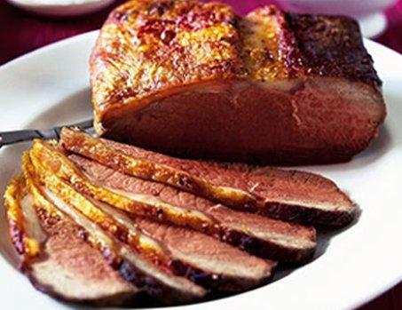 Roast-beef-a-la-inglesa-con-puré-y-cebollas-confitadas2
